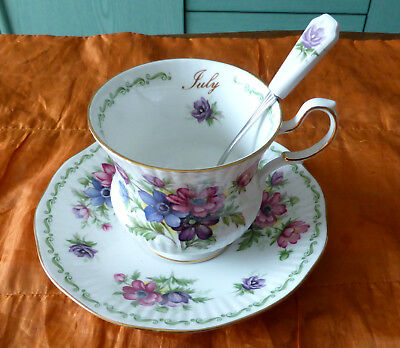 "Queen's, Tasse + Sous Tasse Porcelaine Anglaise + Cuillere  ""juillet"" Collection"