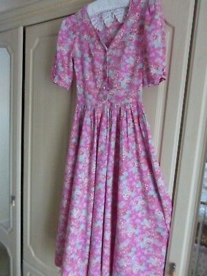 Vintage Laura Ashley Tea Dress. Beautiful And In Excellent Condition. Size 10