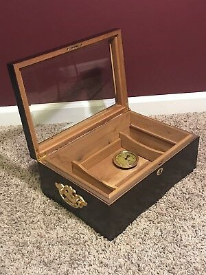 Cherry Wood Cigar Humidor with Glass Top