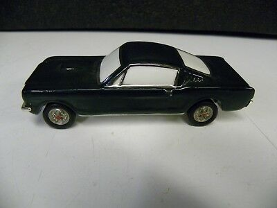"""Department 56 1965 Ford Mustang 2+2 Fastback Ceramic Car Approx 5"""" Long"""