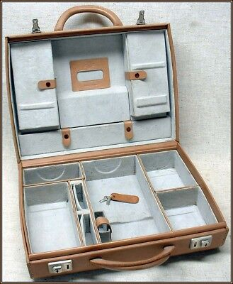 Beautiful vintage Hasselblad 500 camera outfit case from 1950's-1960's!!