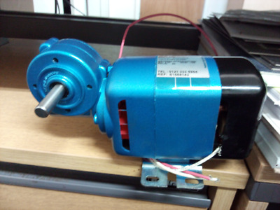 Parvalux Motor & Gearbox SD1S / S1668143 200/220 v 0.45 A 50 Watts 4000 RPM R 30