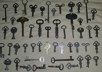 Vintage Lot Of 50 Old Various  Skeleton Keys, A Key Locks,steampunk Arts Crafts