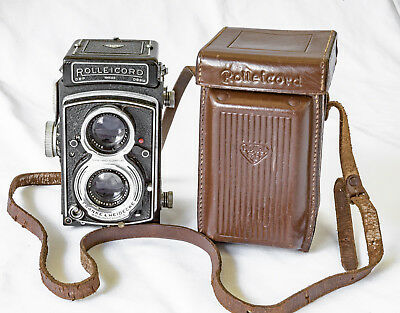 Rolleicord  V TLR camera with 25th Rollei anniversary leather case, with history