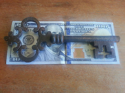 Antique Vintage 1800'S Style Cast Iron Large Gate Skeleton Key Reproduction