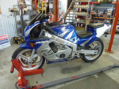 HONDA CBR250R MC19 1988 road or track bike club reg eligable