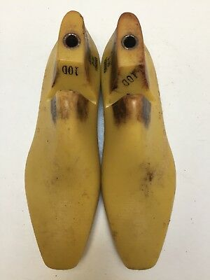 Vintage Pair Of Size 10 D Shoe Lasts From Jones & Vining Of Molded Plastic