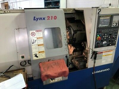 """Used Daewoo Lynx 210 A CNC Turning Center Lathe Fanuc Tailstock Chip Con 6"""" 2004"""