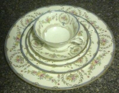 4 Minton Hampshire B1343 Place Settings 20 Pieces GREAT