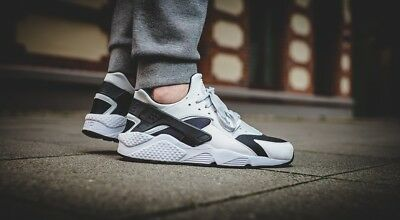 Nike Air Huarache Run Classic Sneakers New, White / Black 318429-104