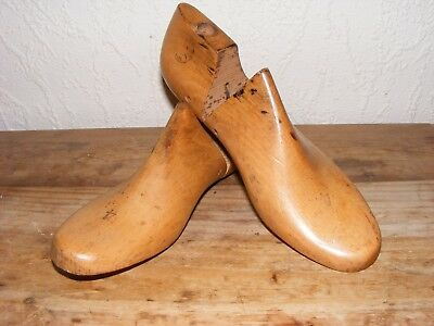 PAIR OF WOODEN SHOE LASTS SIZE 4.5 Made in Stafford SHABBY CHIC DISPLAY
