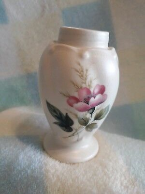 VINTAGE AXE VALE POTTERY VASE ~FLORAL DECORATION ~8cm IN HEIGHT