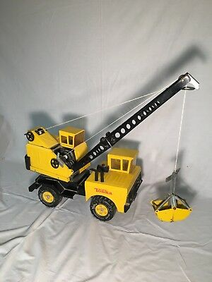 Vintage Tonka 1960's Mighty Crane Truck Clamshell Pressed Metal Steel Yellow A11