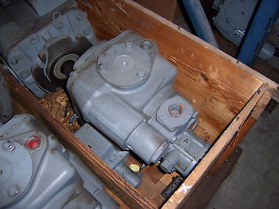New Sundstrand 23-2041 Variable Piston Pump (Nos)