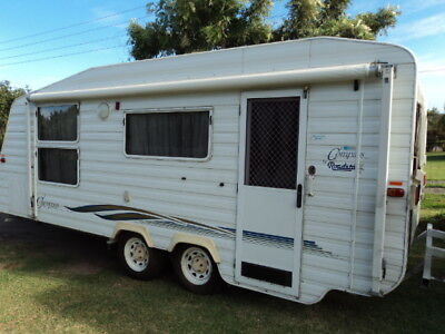 COMPASS ROADSTAR SHOWER/TOILET CARAVAN 19ft SLIGHT HAIL DAMAGE