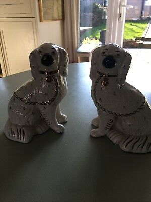Traditional pair of Staffordshire ceramic spaniels