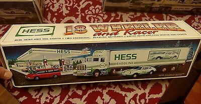 Hess 1992 Toy 18 Wheeler And Racer