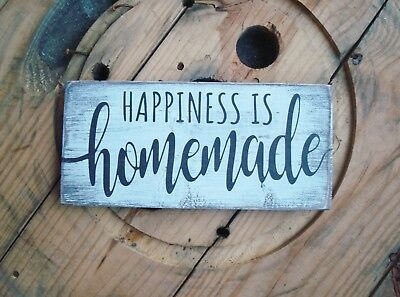 Wooden sign. Happiness is homemade. Rustic farmhouse style decor. Distressed
