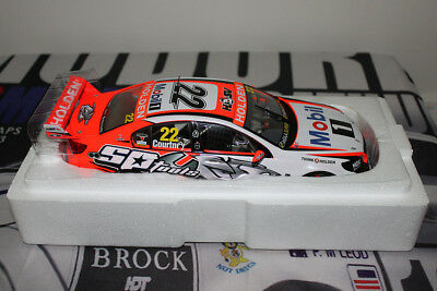 2014 Courtney V8 Supercars Holden Commodore HRT 1:18 Classic Signed COA