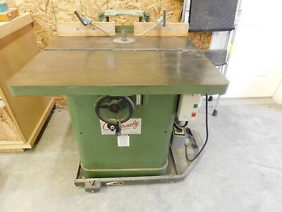 Grizzly 3 HP heavy duty shaper Model G1026 with cast iron wing