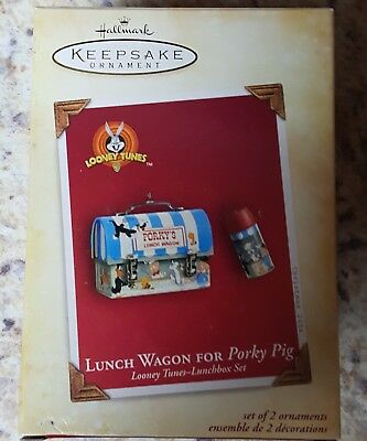 Hallmark Ornament 2004 LUNCH WAGON FOR PORKY PIG Lunchbox Set  Looney Tunes