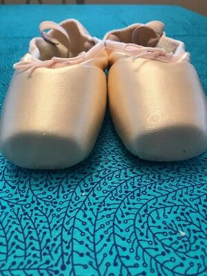 BLOCK Pointe shoes ASPIRATION SO 105 Size 8C  EUC  Worn Once