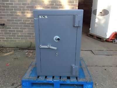 Fully Working Large SLS England Safe with Double Locks. Very Heavy