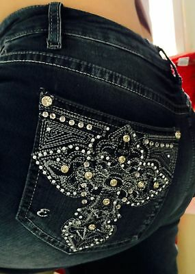 Woman's EARL JEANS CAPRI White Embroidered Bling Pockets  Size 18W NWT'S
