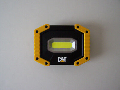 CAT 500 Lumens LED Work Light With 4 - AA  Batteries & Magnetic Base