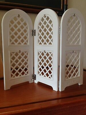 2004 Hallmark Spring Easter ORNAMENT DISPLAY Trellis Lattice Panels New w/Box