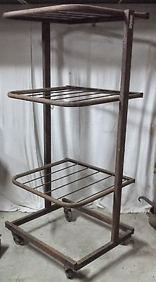 Antiguo Expositor Metal Marca Toutentub Muebles Industrial Taller Loft Thomas