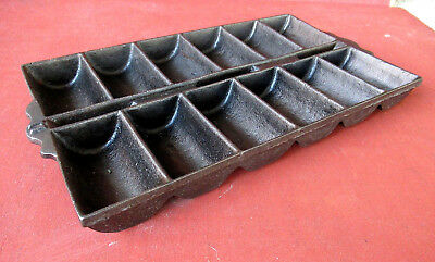 Antique Corn Bread French Roll Pan Vintage Primitive Cast Iron 12 Slots Gatemark