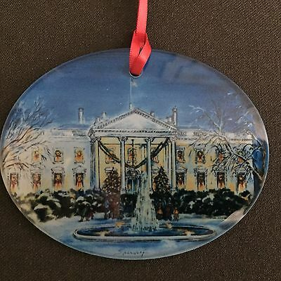 The White House Christmas Glass Ornament/ GlasChristbaumschmuck (Lily Spandorf)