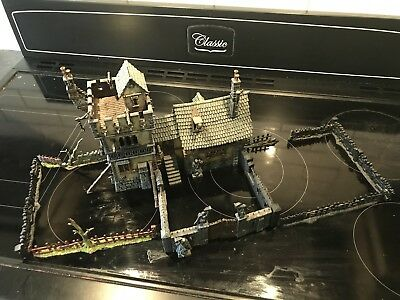 Games Workshop - Warhammer Fantasy / AoS - Fortified Manor Scenery Set, Painted
