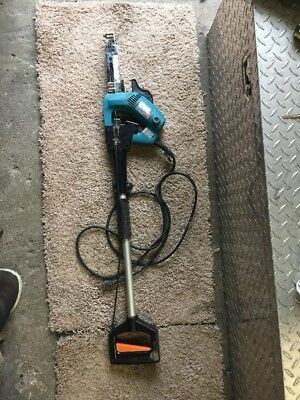 Makita Model 6832 Auto Feed Drywall Screw Gun With Handle Extension
