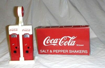 Coca Cola Tribute To The 50's Salt And Pepper Shaker Vending Machine