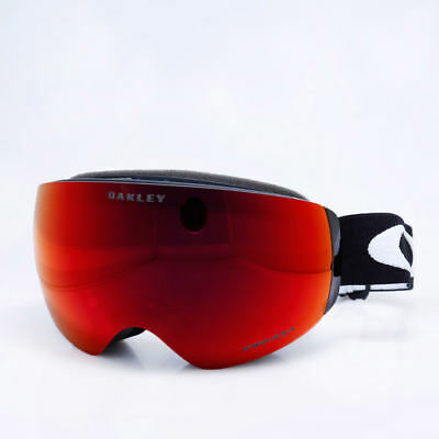 31521587a9 Oakley Men Flight Deck XM Snow Goggles Matte Black with Prizm Torch Iridium  Lens