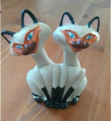 The Siamese Cats from Lady and the Tramp Disney plastic figure toy