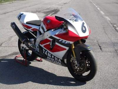 Yamaha yzf 750 sp superbike