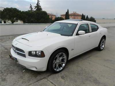 Dodge Charger 5.7 L
