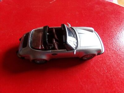 PORSCHE 911 SC TARGA 3,0l 1977 voiture miniature 1/43 collection solido