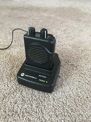 Motorola Minitor V Pager - VHF 151-158.9975 MHz 2 Channel Stored Voice w/Charger