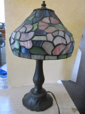 Vtg Tiffany Style Brass U0026 Stained Glass Small Accent Table Desk Lamp Night  Light