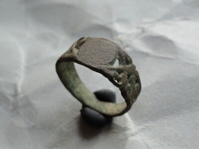 Medieval Period Bronze Finger Ring 001