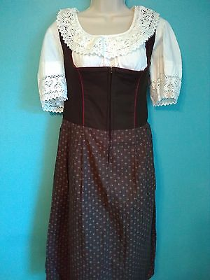 women woman tradtional dirndl trachten blasche zipper red trim authentic german
