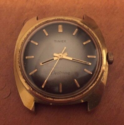 Vintage Timex Electronic mens Watch * gold finish * gray - brown face
