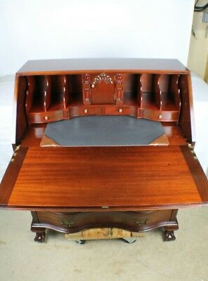 Vntg Maddox Colonial Reproductions Mahogany Secretary Desk