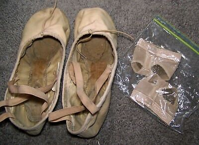 Lot 2:1 pr canvas ballet slippers & 1 pr foot undeez dance shoes flats very used