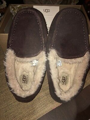Lightly Used Youth Boys UGG Loafer Slippers, Brown SZ 4, Free Shipping