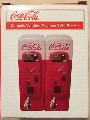 Coca-Cola Vending Machine: Home Collectible Salt and Pepper Shaker Set